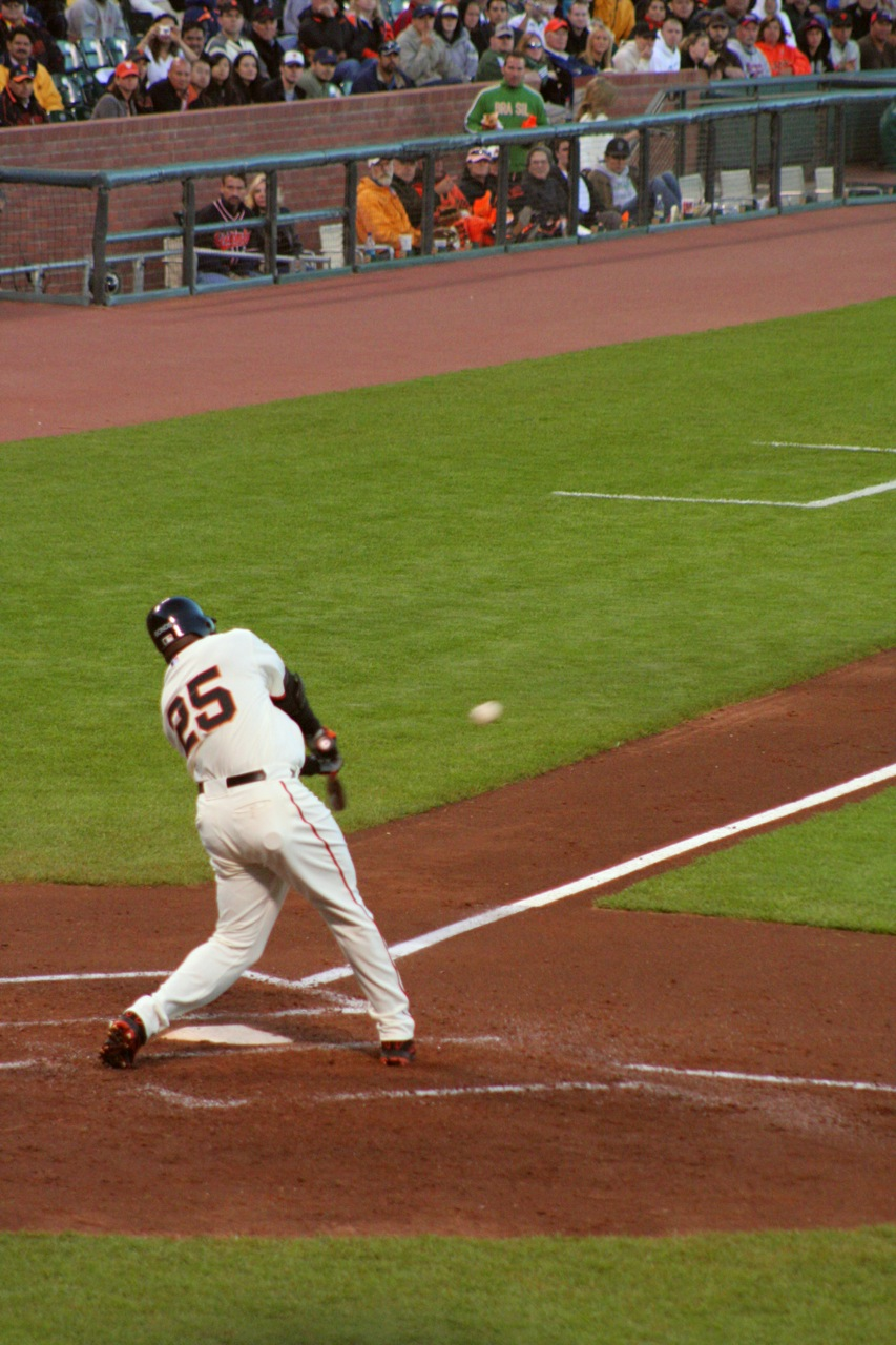 Barry Bonds hitting for San Francisco Giants.